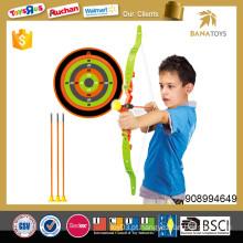 Arco e seta ao ar livre jogo de brinquedo para criança