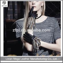 Moda italiana vestido de las mujeres hechas a mano motocicleta conducir guantes de cuero con franjas