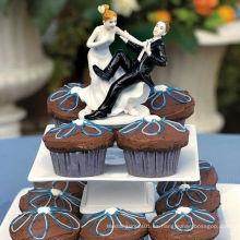 """""""Llevando a la zambullida"""" Novia y novio Figurilla del topper de la torta de la boda"""