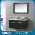 Nouvelle salle de bain en bois massif en bois avec miroir