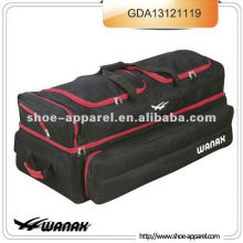 PRO PERFORMANCE WHEELIE GRUPO DE CRICKET BAG GOLDEN LTD