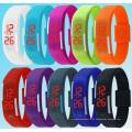 Мода Спорт светодиодные часы конфеты Цвет Силиконовой резины Сенсорный экран цифровые часы, Водонепроницаемый Браслет