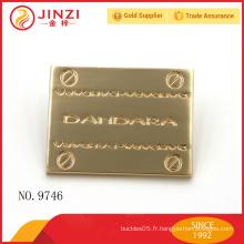 Vente en gros d'étiquettes personnalisées en métal avec une qualité élevée