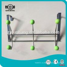 Железный провод за дверной крючок с зелеными бусами