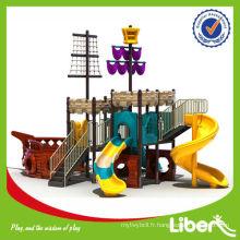 Parc d'attractions en plein air Aire de jeux en plastique avec plusieurs diapositives Série Pirate Ship LE.HC.002