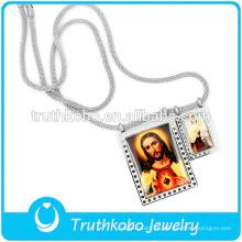 El último collar de cadena largo de serpiente plateada con colgantes de madre y padre jusus