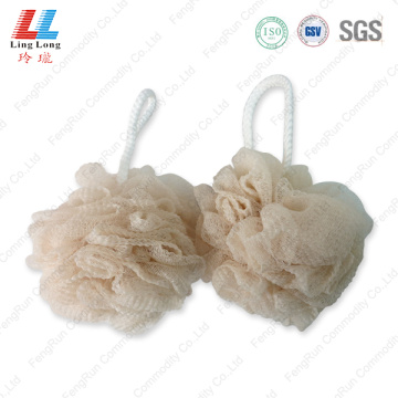 Graceful mesh wavy sponge ball