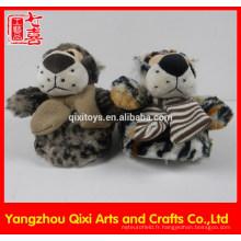 Haute qualité forme animale pantoufle semelle en caoutchouc tigre jouet en peluche pantoufle