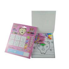 avec des jeux de livre de coloriage magique de stylo de couleur de l'eau