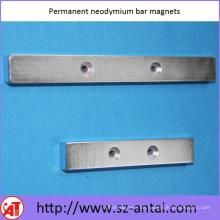 Permanent Neodym Stabmagneten mit Schraublöchern