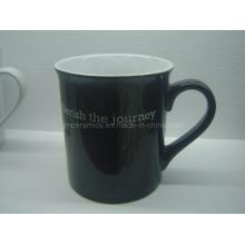 Keramische schwarze Tasse