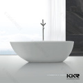 banheira pequena do tamanho feito sob encomenda ordinário para banheiros de hotel