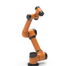 Chargement et déchargement du bras de robot industriel