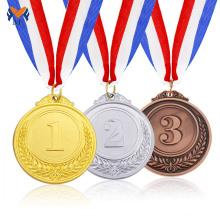 Medalha de prata em ouro branco