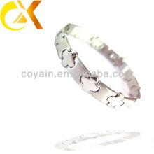 Homens travamento cruz aço inoxidável jóias pulseiras de prata fabricante