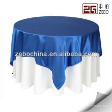Fournir des couvertures de table décoratives pour le mariage