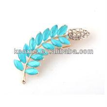 Leaf shaped rhinestone pin brooch