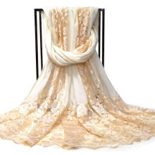 Dernière épissure écharpe en dentelle en soie