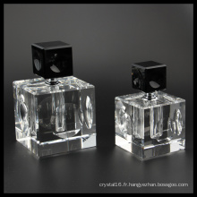 Bouteille de parfum en cristal de haute qualité pour la décoration (KS24081)