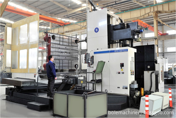 Bole injection machine