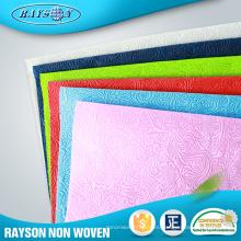 Empaquetado Uso tejido personalizado estampado de flores en relieve no tejido PP Spunbond en relieve no tejido