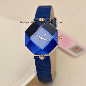 Пользовательские женские моды малые наручные часы с кожаной лентой
