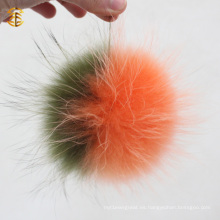 Fluffy al por mayor piel de mapache colorido Pom Poms para sombreros de gorros bola de pieles con piel de llavero