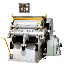 Máquina de corte y plegado