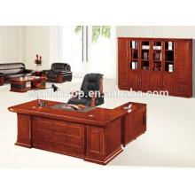 Design de mesa de computador de escritório