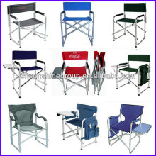 Folding director chair with side tea table and removable magazine bag