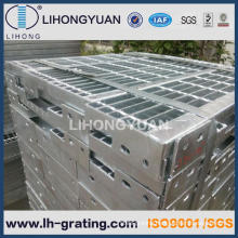 Hot Dipped Galvanizing Stair Tread with Non-Slip Nosing