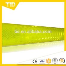 láminas reflectantes prismáticas de alta intensidad, de color verde amarillo fluorescente