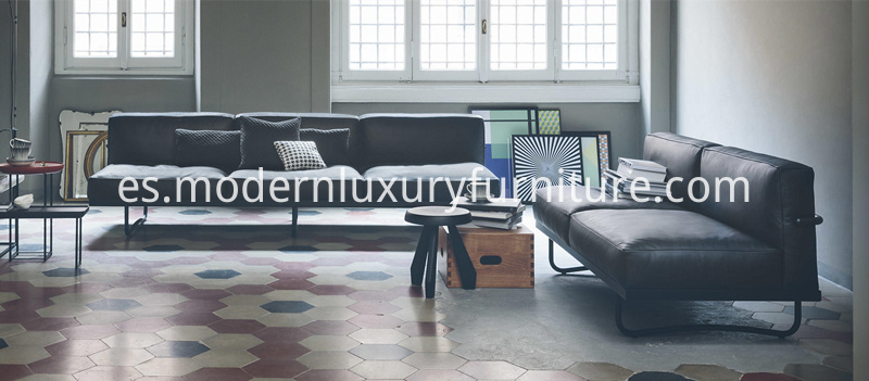 Cassina-LC5-Sofa-for-Living-Space
