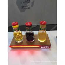 Iluminación llevada 3 botellas exhibición de la demostración comercial Tamaño de encargo Acabado de madera Soporte al por menor del producto
