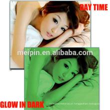 Brilho fotoluminescente nos produtos escuros