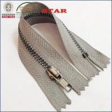 All kinds of metal zippers for wholesale