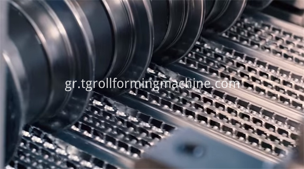Hi Rib Mesh Machine