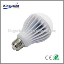 Popular modelo 7w y 9w bombilla LED