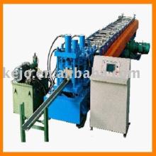 Machine à formage de rouleaux à froid pour piste et piste