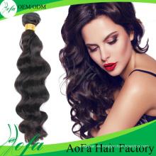 Pelo ondulado humano al por mayor del estilo atractivo de la extensión del pelo de la Virgen