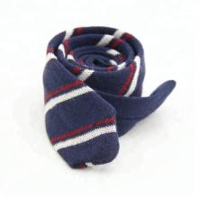 Moda corbatas Hombres flaco de punto corbatas
