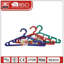 Восстановленный пластиковые вешалки