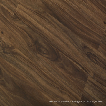 8mm CE Classic Oak Middle Embossed Finish Laminate Flooring