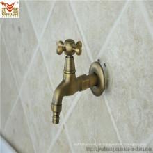 Antikes Badezimmer-Waschmaschine-Wasser-Düse