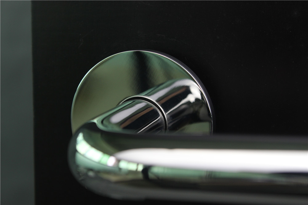 Fully Reversible Lever Handle