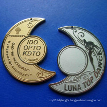 Soft Enamel Lapel Pin, Moon Shape Badge (GZHY-SE-037)