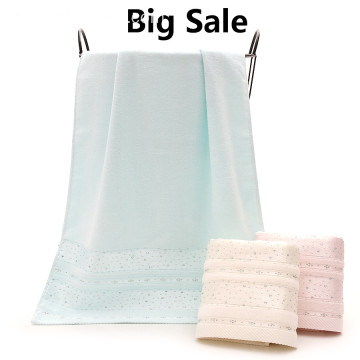 สต็อกสินค้า Glittering Ornament Towel Hot Drilling Bath Towel