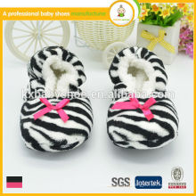 Hot selling high quality lovely zebra women warm indoor chinelos sapatos para o inverno