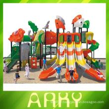 Aire de jeux extérieure pour les plus grands enfants