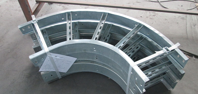 Bend for cable ladders and trays